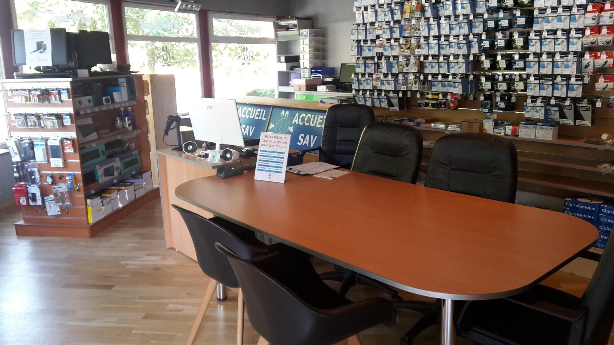 Intérieur du magasin MBV Informatique